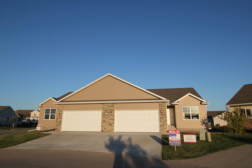 7003 & 7005 Waterview Drive Duplex